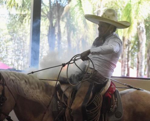 Enrique Jiménez se reafirma como serio contendiente por la corona