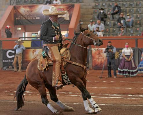 """José Cruz Guzmán logró muy buena cala de caballo de 37 puntos para los Charros de Morelia """"Oro"""""""