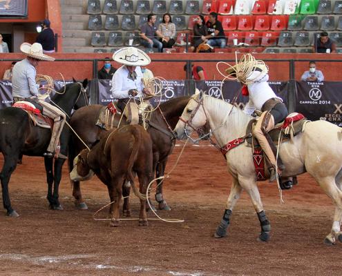 La terna de Charros de Jalisco fue completada por Salvador y Gabriel Sánchez en cinco minutos y medio