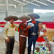 Presidente FMCH José Antonio Salcedo López recibe premio de Primer Lugar del Coleadero del Día del Charro en Querétaro